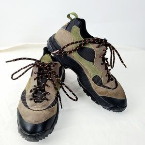VINTAGE 90s Nike ACG Size 8.5 Womens Brown Green